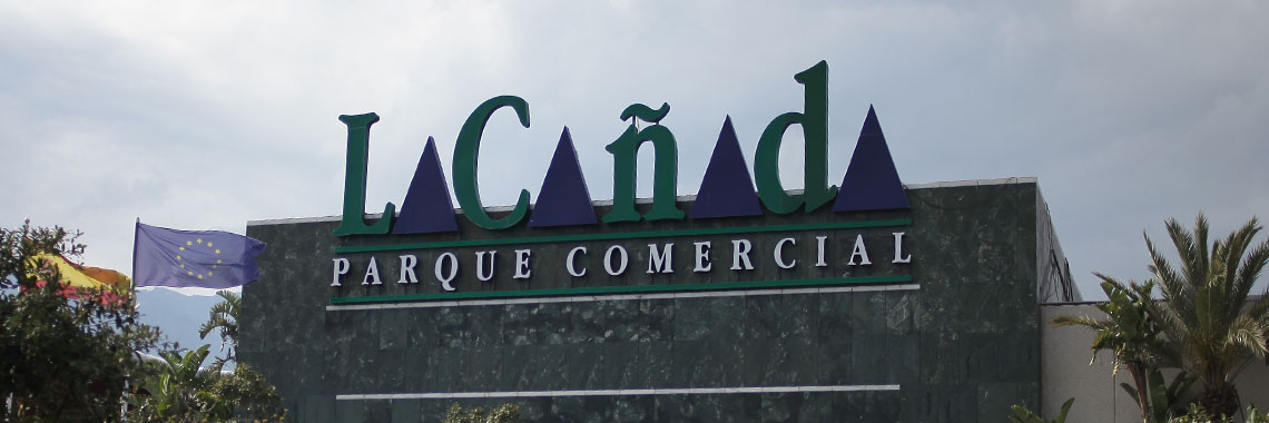 Main label La Cañada Commercial Park